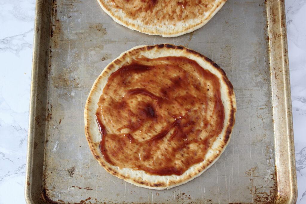 bbq chicken flatbread with sauce